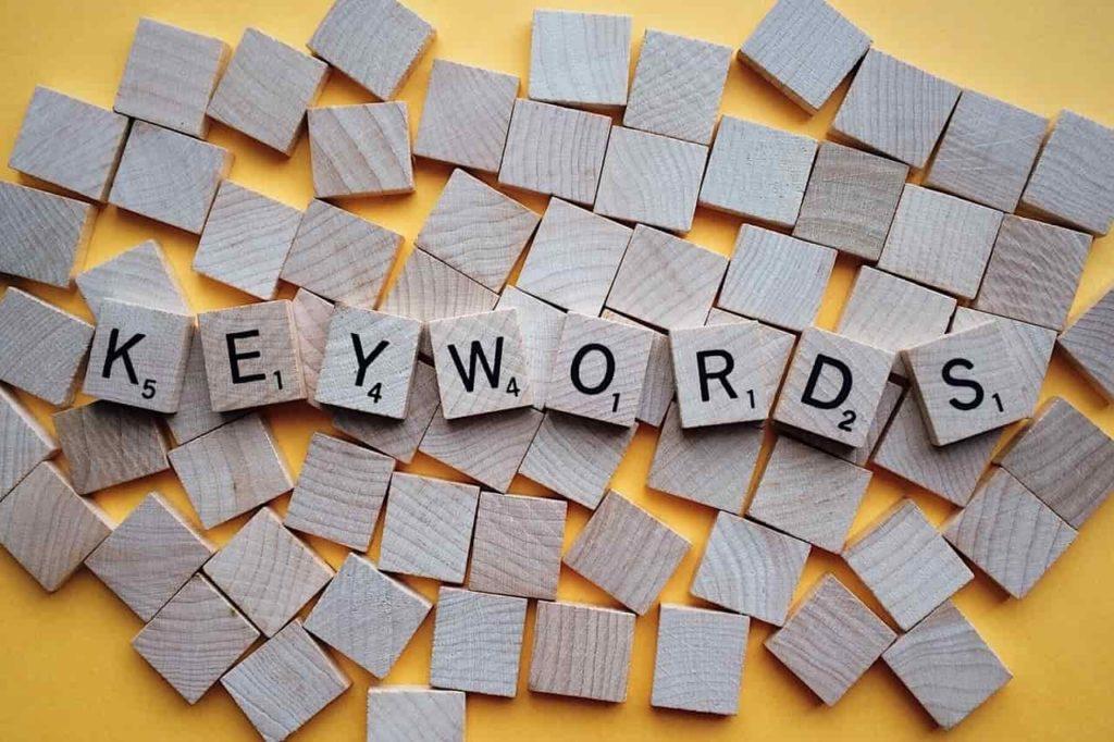 如何寫部落格?掌握這六個重點寫作技巧:技巧二、設定主題和關鍵字(Keyword Elaboration)